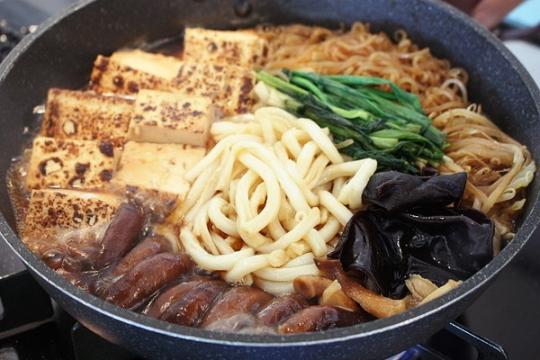 生キクラゲと生シイタケのキノコすき焼き