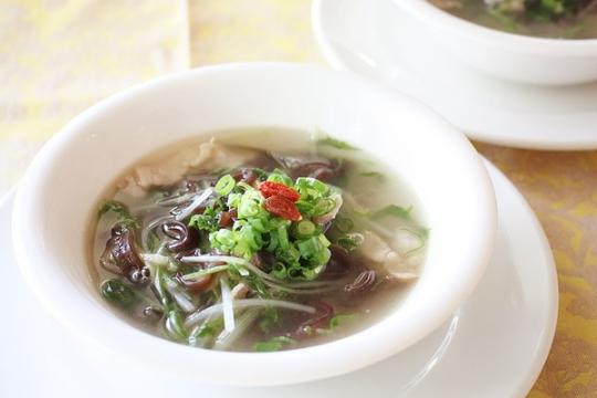 水菜と生きくらげのスープ