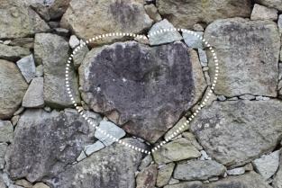 """触れると恋が成就するといわれる""""愛の奇石"""""""