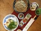 夏季限定の「そば御膳」は人気上昇中