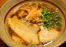 4種類のスープと特製麺からなる至極のラーメン