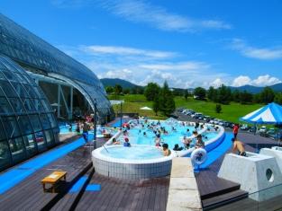 開放的な屋外プール
