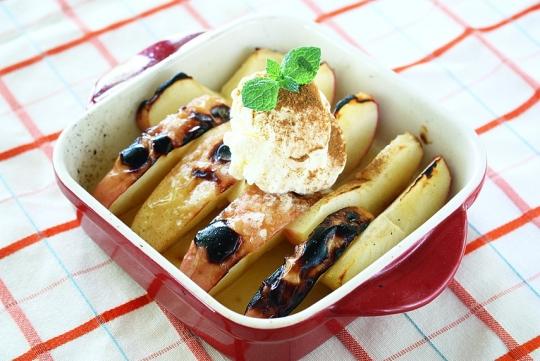 焼きりんご バニラアイス添え